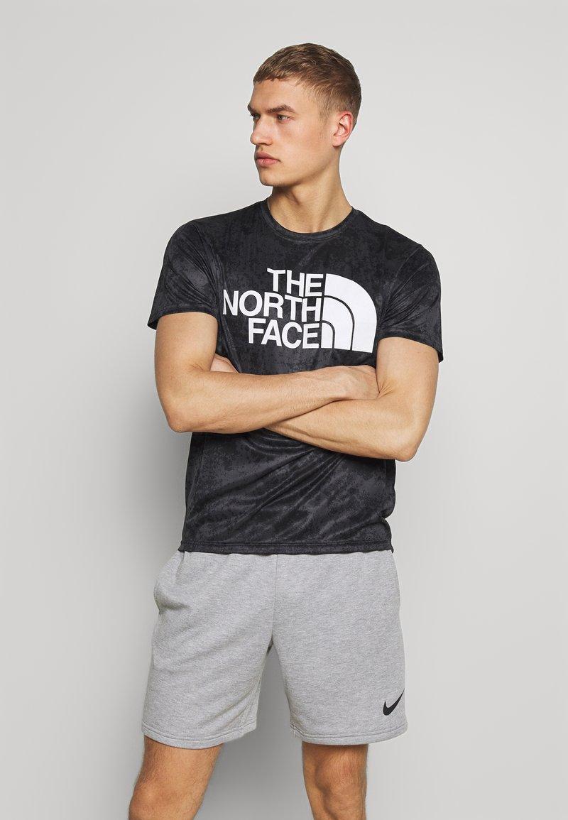 The North Face - MENS REAXION EASY TEE - T-shirt imprimé - asphalt grey grunge