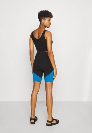 RAMP TESTED BIKE - Shorts - black