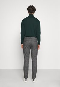 Only & Sons - ONSMARK PANTS CHECK - Kangashousut - medium grey melange