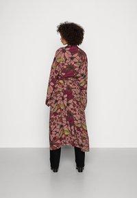 Esprit Collection - KIMONO - Lett jakke - terracotta - 2
