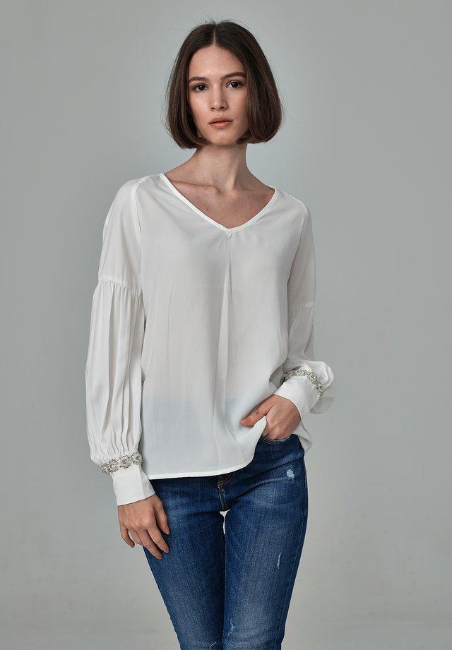 NATALIA - Långärmad tröja - white