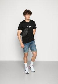 Redefined Rebel - TEE OPTION - Print T-shirt - black - 1