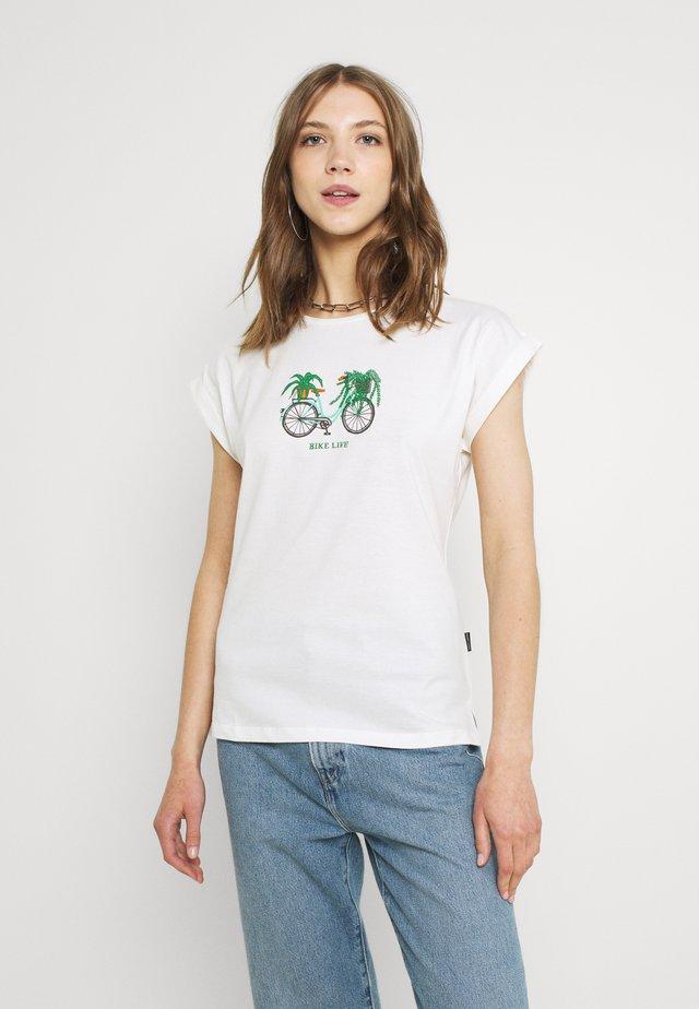 VISBY BIKE LIFE - T-shirt con stampa - whisper white