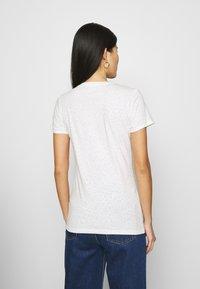 GAP - TEE - T-shirts med print - snow - 2