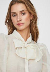 Vero Moda - Button-down blouse - birch - 3