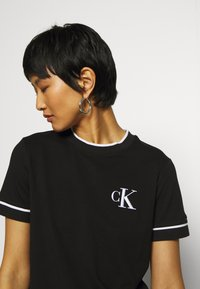 Calvin Klein Jeans - EMBROIDERY TIPPING TEE - Print T-shirt - black - 3