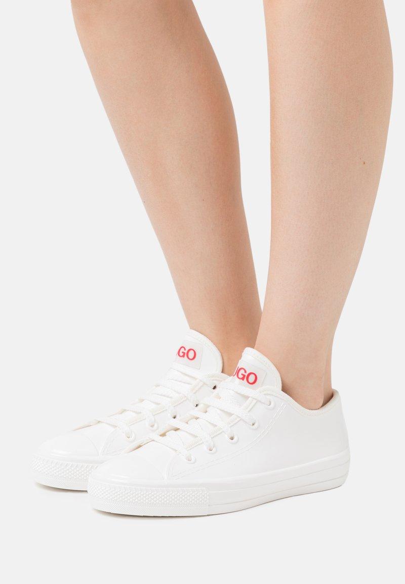 HUGO - GAMMA - Trainers - white