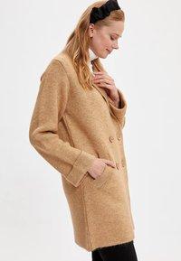 DeFacto - Abrigo corto - beige - 1