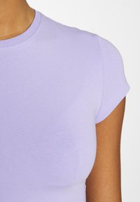 Weekday - SABRA 2 PACK - T-shirts - lilac/white - 6