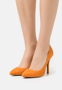 Zign - Classic heels - orange - 0