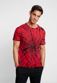 Be Edgy - GIGGSEN - T-shirt imprimé - red - 0