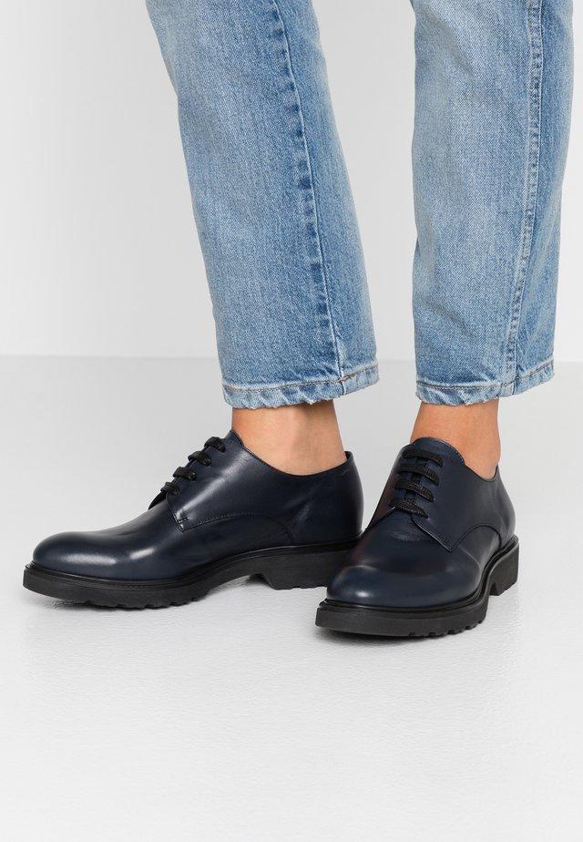Zapatos de vestir - foulard blu