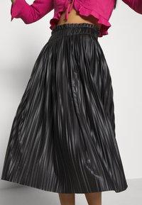 ONLY - ONLMIE MIDI PLEAT SKIRT - A-line skirt - black - 3