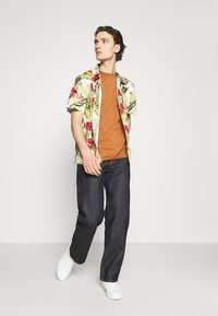 Nudie Jeans - TUFF TONY - Jeans relaxed fit - dry malibu - 1