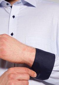Eterna - COMFORT FIT - Formal shirt - hellblau - 2
