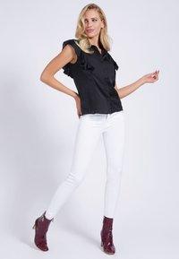 Guess - Button-down blouse - schwarz - 1