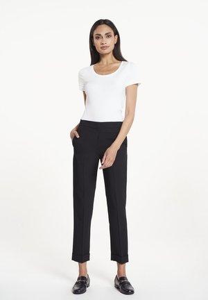EVI - Trousers - black