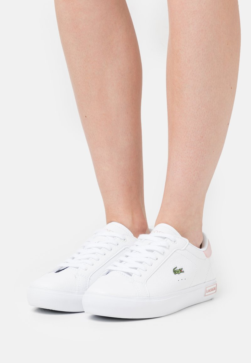 Lacoste - POWERCOURT - Baskets basses - white/light pink