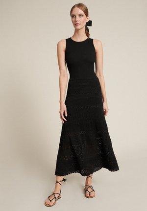 CORREDO - Maxi dress - nero