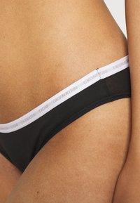 Calvin Klein Underwear - 2 PACK - Briefs - kisses/black - 5