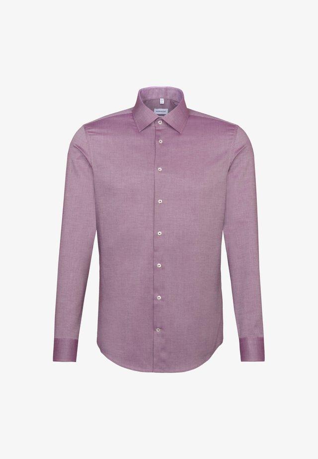 TAILORED FIT - Koszula - rosa