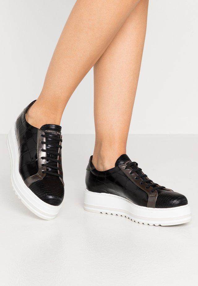 Zapatillas - nero/fucil