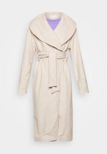 MILA COFLE - Klassischer Mantel - nude melange