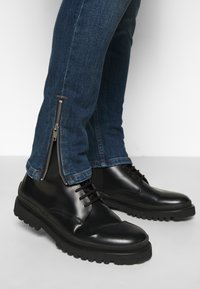 The Kooples - WITH ZIPPER DETAIL ON THE BOTTOM - Jean slim - blue - 3