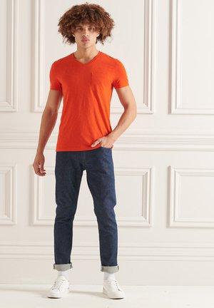 Basic T-shirt - pureed pumpkin