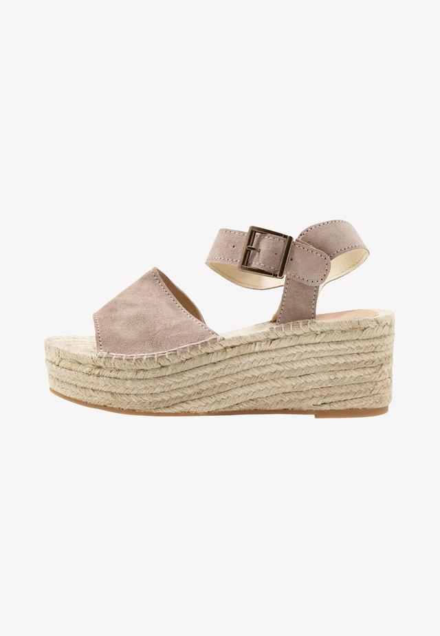 PLATFORM  - Loafers - nougat