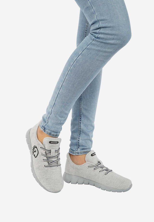 RUNNERS - Sneaker low - light grey