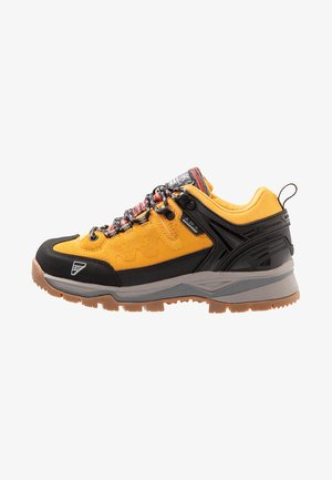 Hiking shoes - yellow
