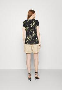 Ted Baker - IRENNEE - Print T-shirt - black - 2