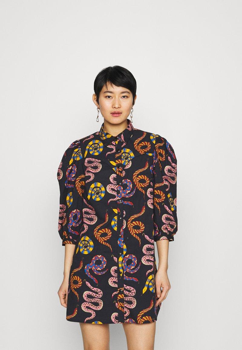 Farm Rio - SNAKES MINI DRESS - Shirt dress - multi