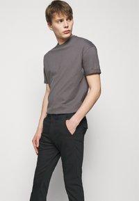 DRYKORN - KREW - Trousers - black - 3