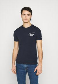 Tommy Jeans - STRETCH CHEST LOGO TEE  - T-shirt con stampa - twilight navy - 0