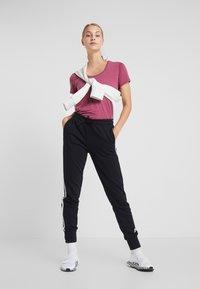 Cotton On Body - GYM  - T-Shirt basic - rose sangria - 1