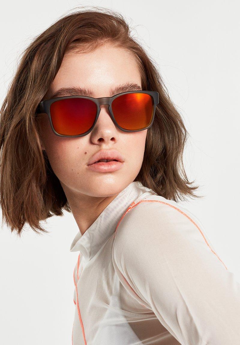 Hawkers - CORE - Sunglasses - grey