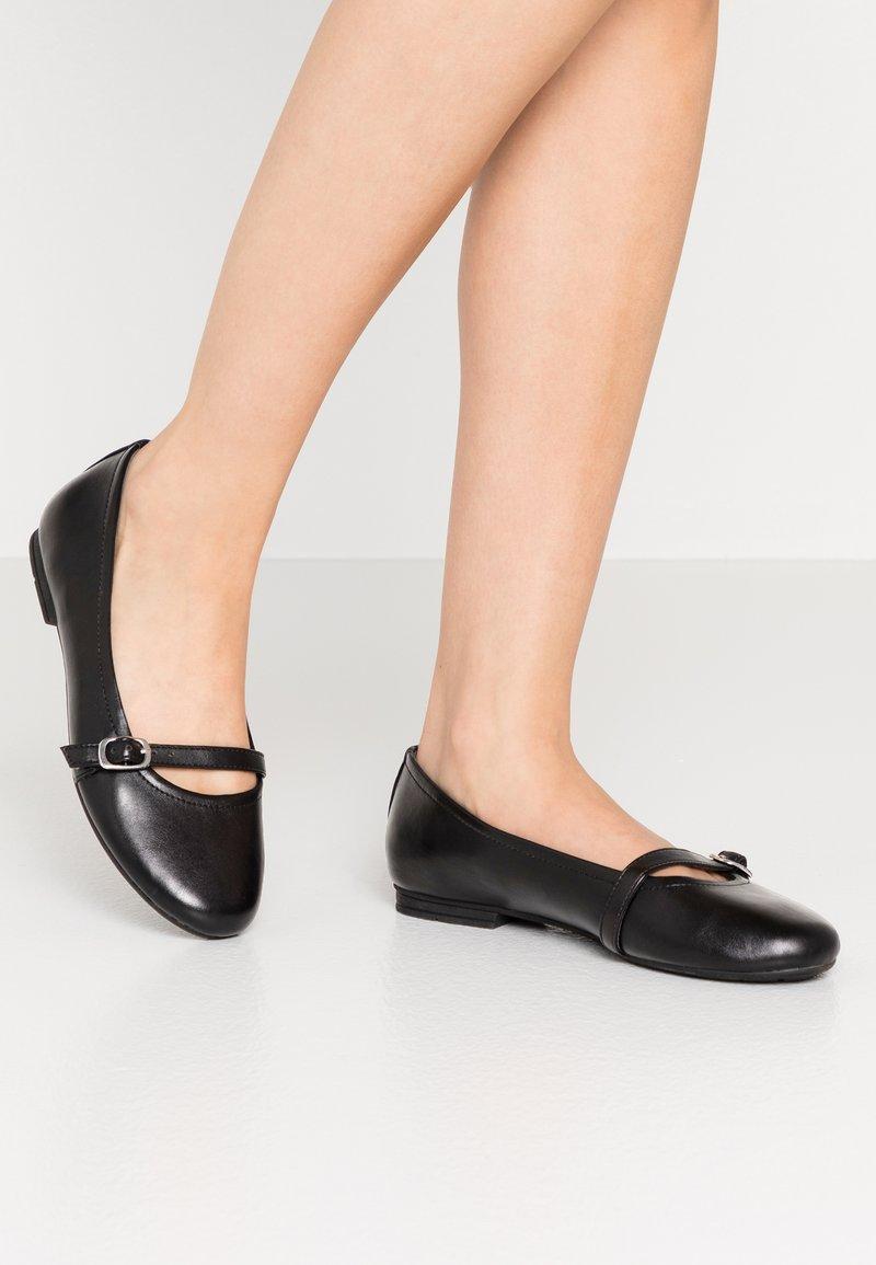 Jana - Bailarinas con hebilla - black