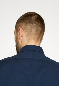Selected Homme - SLHREGRICK FLEX - Shirt - moonlit ocean - 10