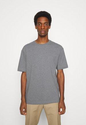 SLHLOOSEGILMAN O NECK TEE - T-shirt - bas - medium grey melange