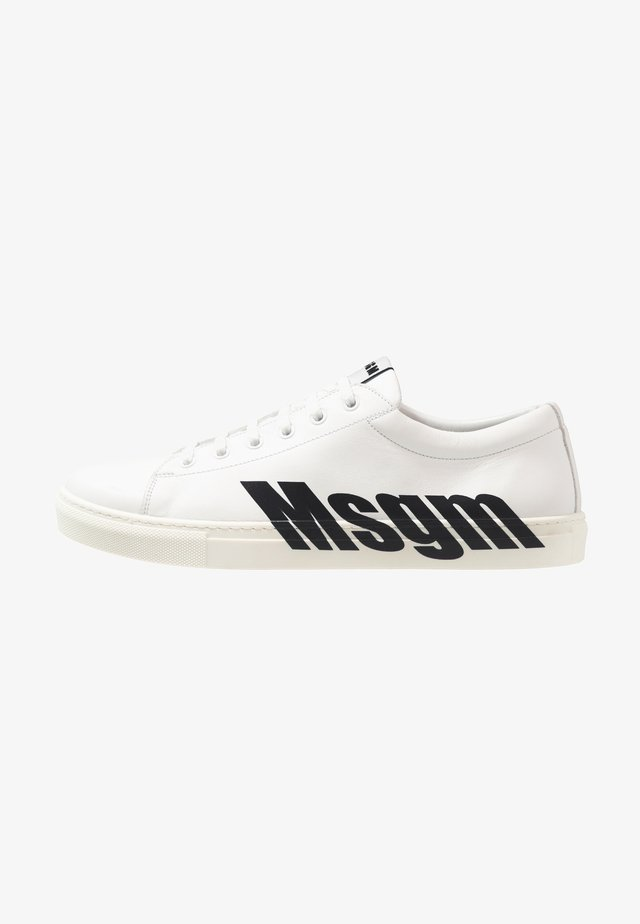 Joggesko - white/black