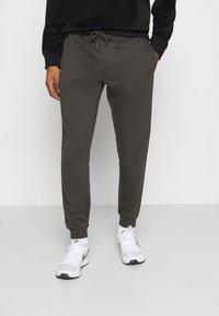 Burton Menswear London - 2 PACK - Trainingsbroek - black - 1