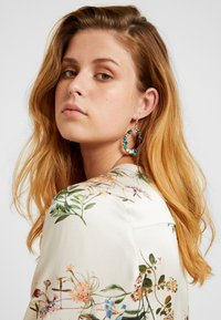 sweet deluxe - Earrings - antikgold-coloured/blau/peach - 1