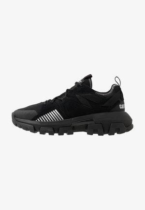 RAIDER SPORT - Sneakersy niskie - black