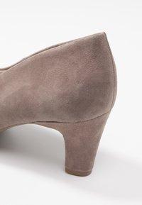 Bugatti - Classic heels - sand - 2