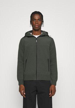 ILLESCALF JACKET MAN - Light jacket - khaki