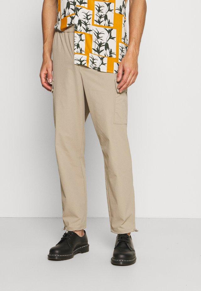 RIPSTOP - Pantalones cargo - beige