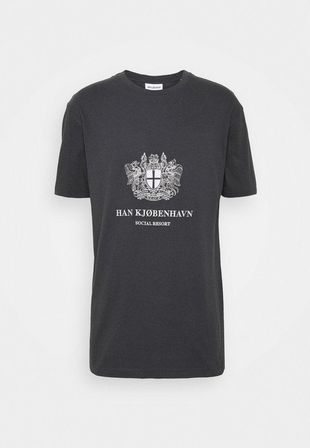 BOXY TEE - Camiseta estampada - black/white