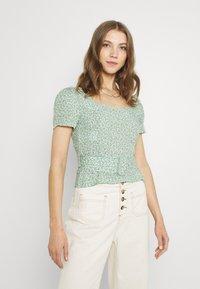 Trendyol - Camiseta estampada - multi color - 0